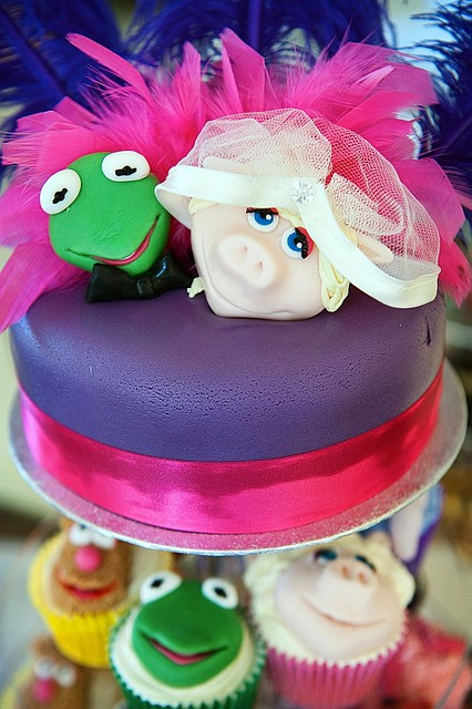 Muppet Wedding Cakes – Tasty Little Characters With a Splash of Colour