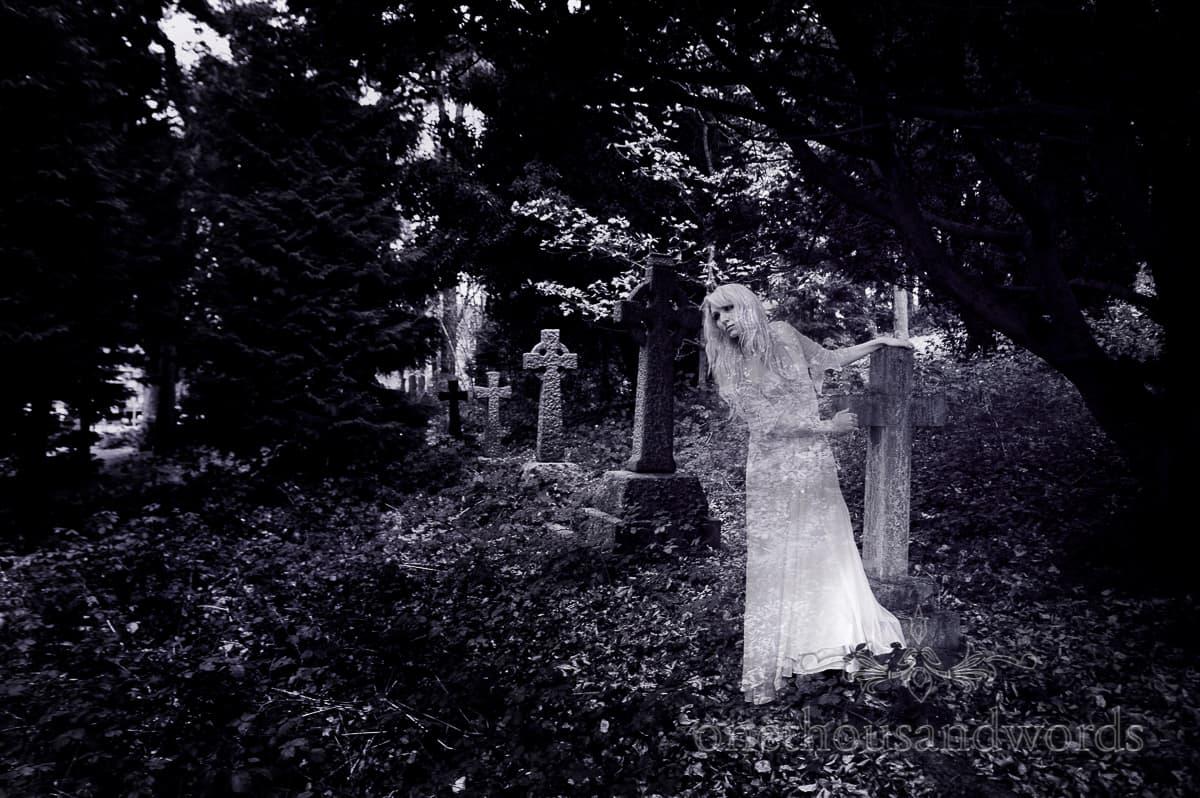 bride in Joanne Flemming Design wedding dress photograph