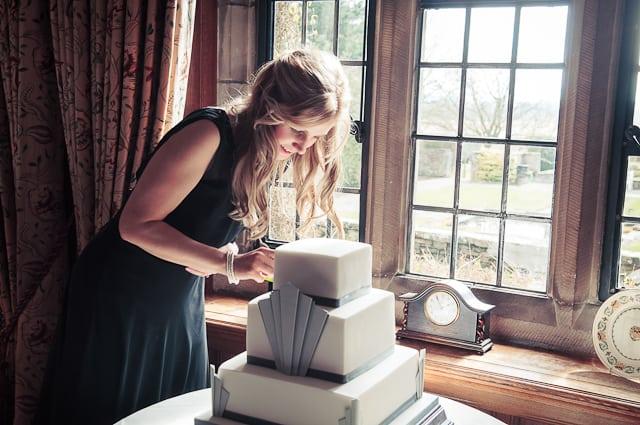 Art deco wedding cake from warwickshire wedding photographs