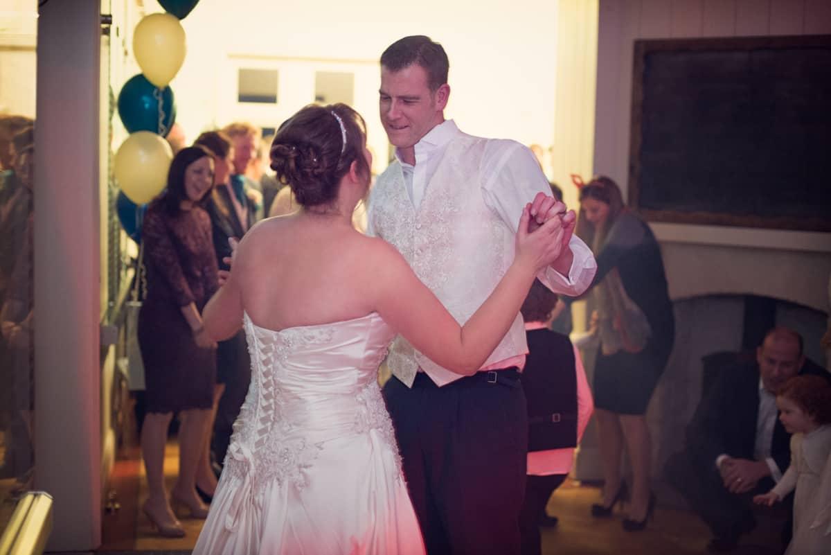first dance by wedding photographer dorset