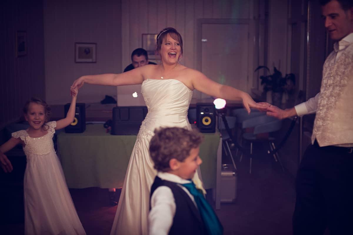 wedding photographer dorset first dance