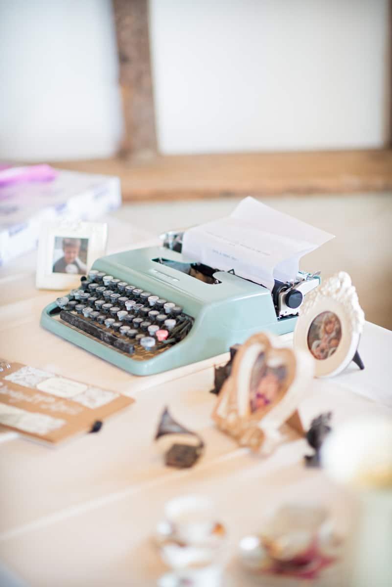 wedding guestook vintage typewriter