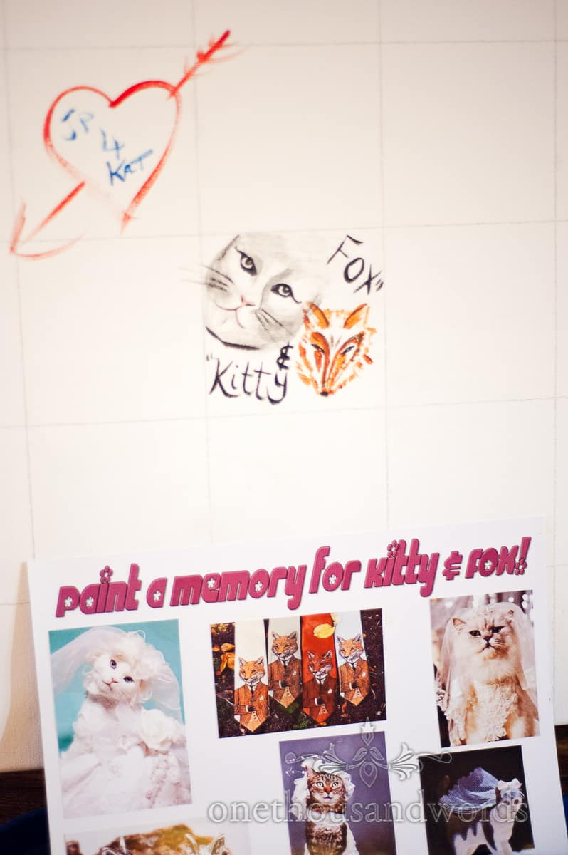 memory painting board to entertain wedding guests