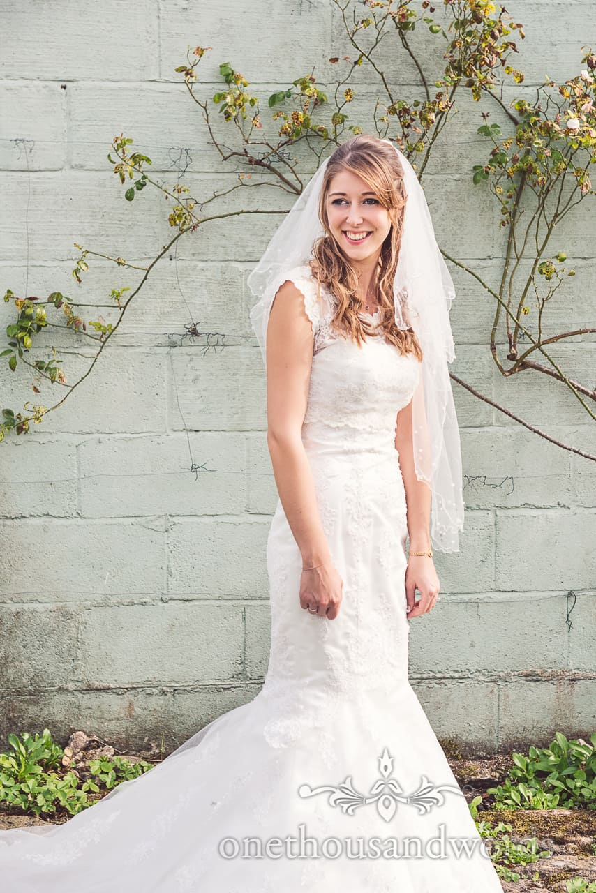 bride portrait with wall background