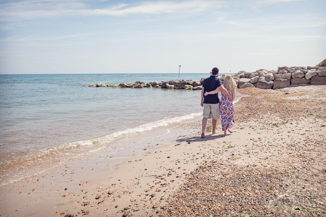 hengistbury head beach couple photographs