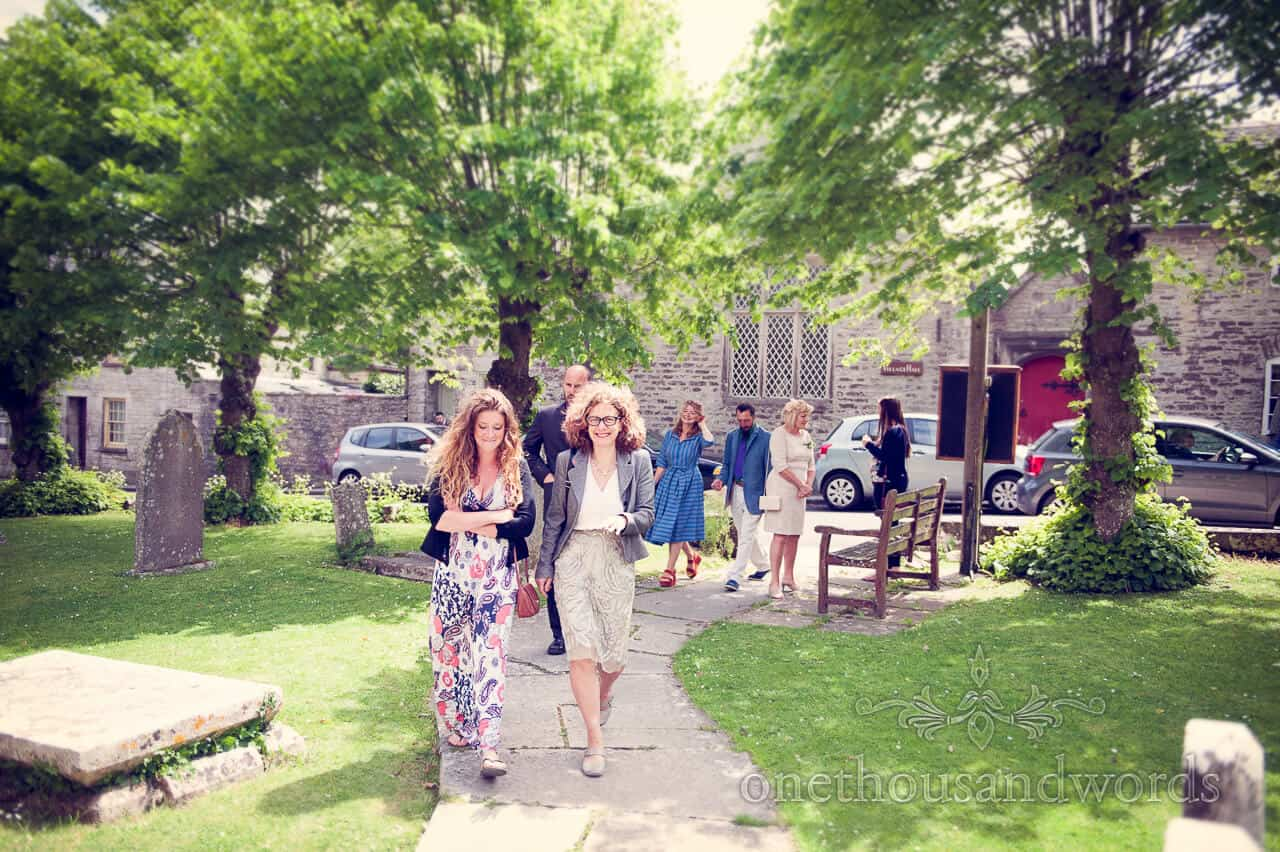 beautiful wedding guests arrive at Country wedding