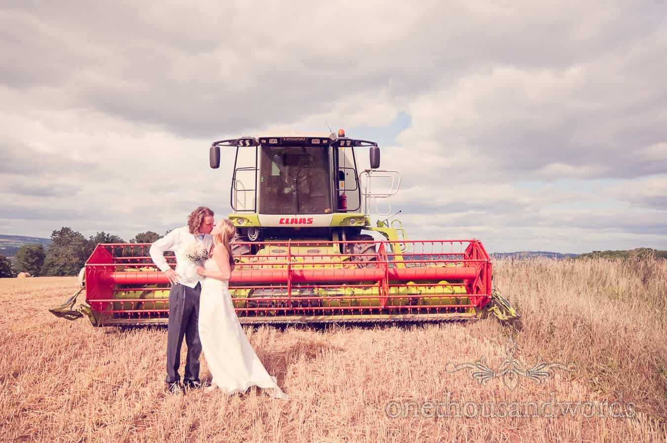 Tenbury Wells Countryside Wedding Photographs With Linda and Al