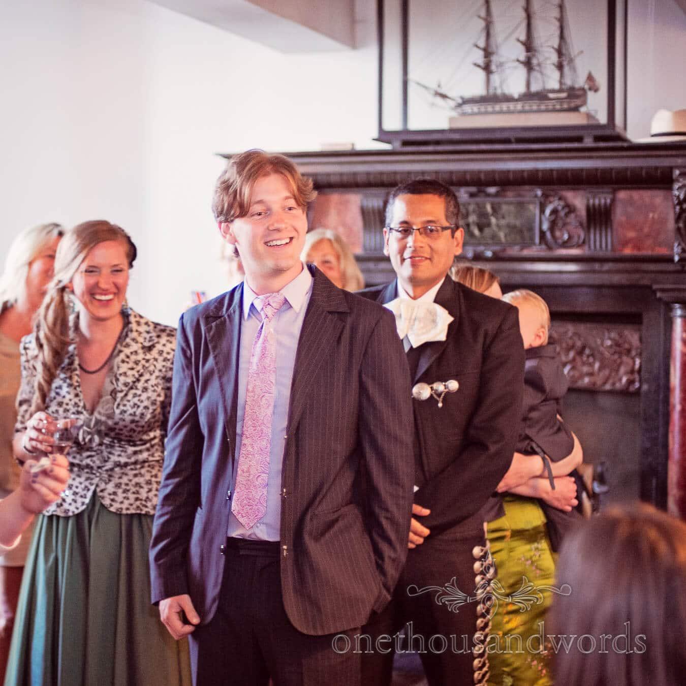 Wedding guest sings to bride and groom at Porth en Alls