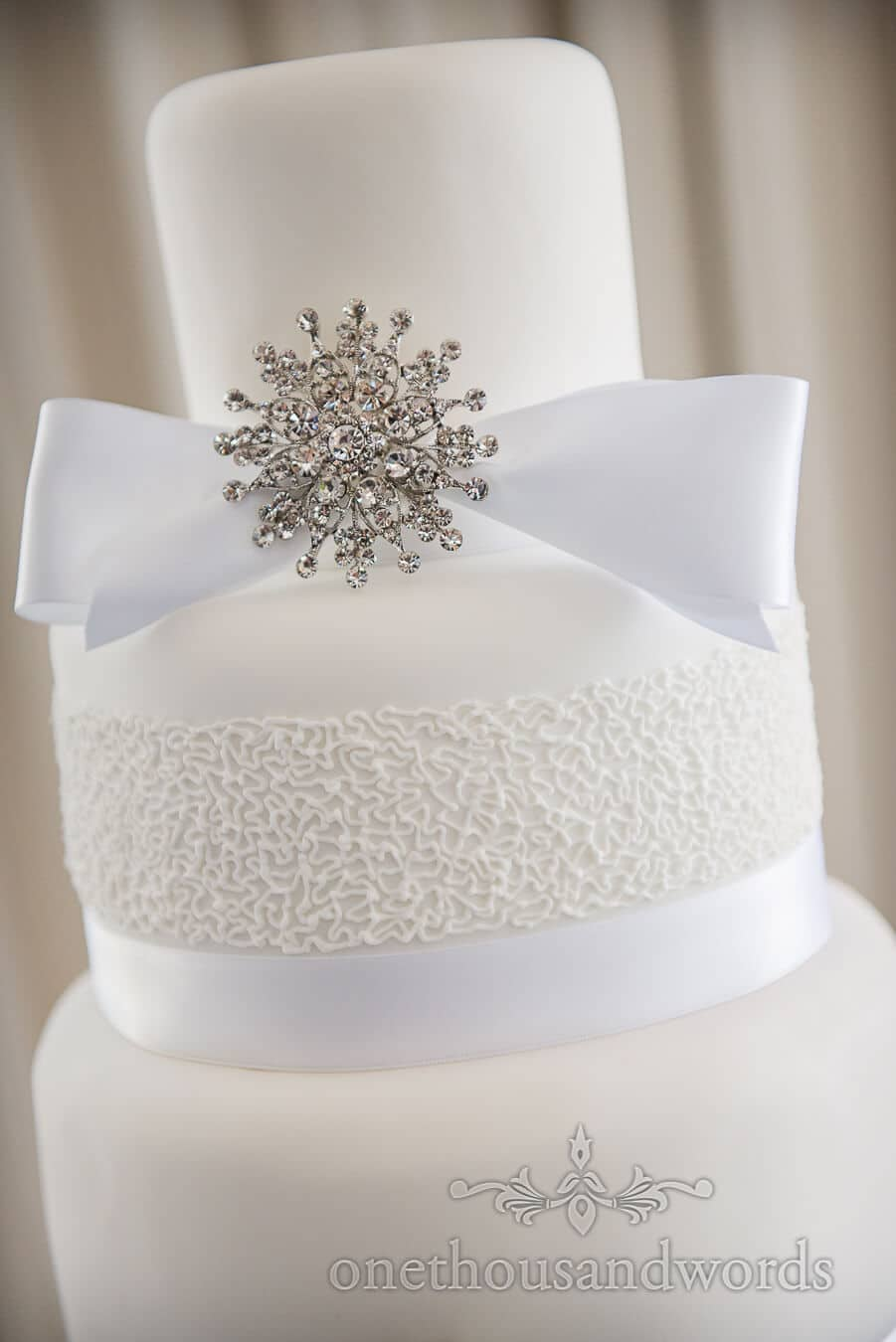 how to make a diamante wedding cake stand poole wedding venue photographs at harbour heights hotel 15804