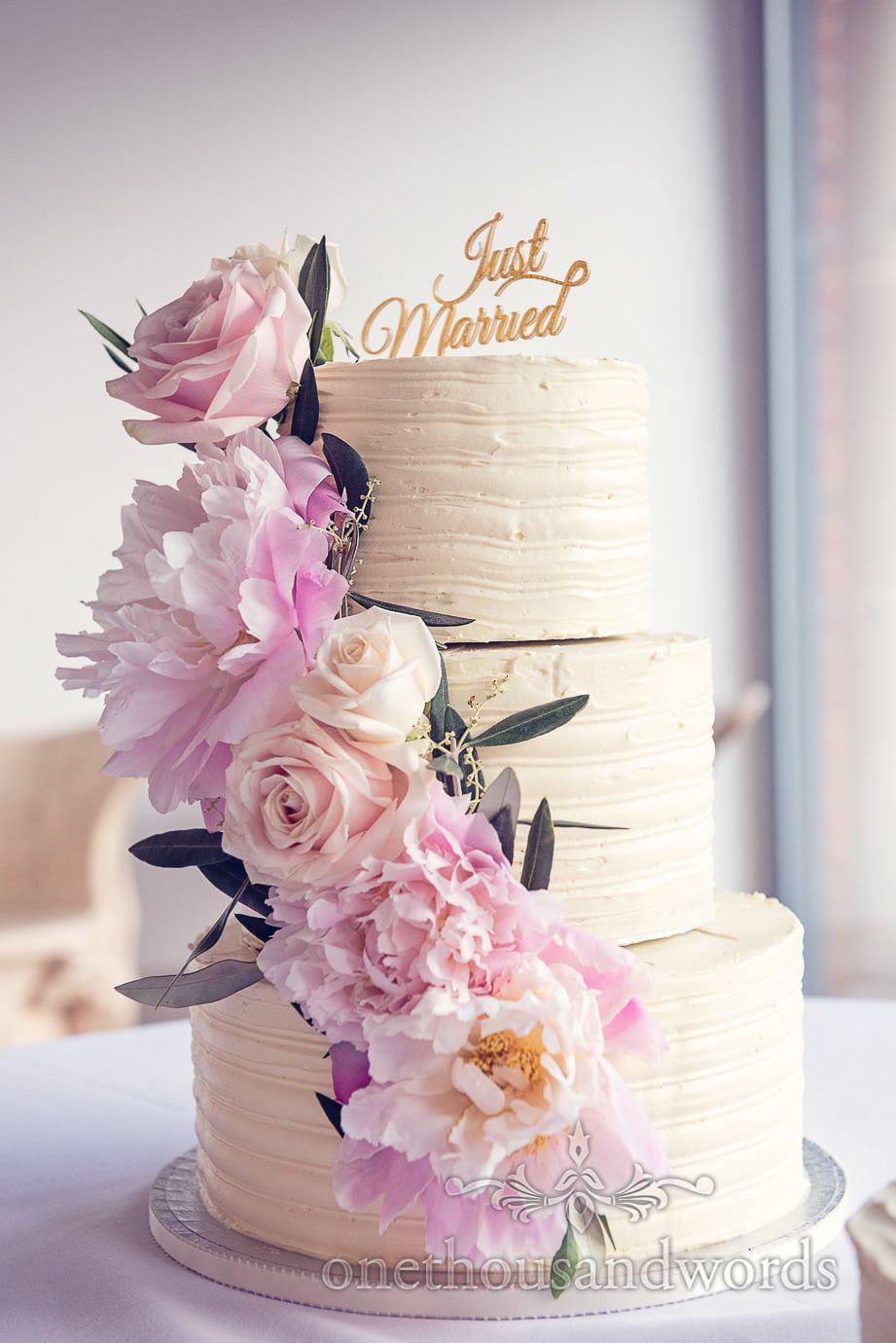 Wedding cake at Italian Villa Wedding Photographs