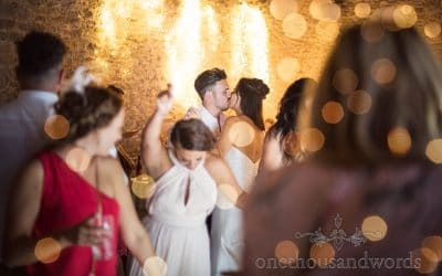 Shelly & Colin – Kingston Country Courtyard Wedding Photography Review