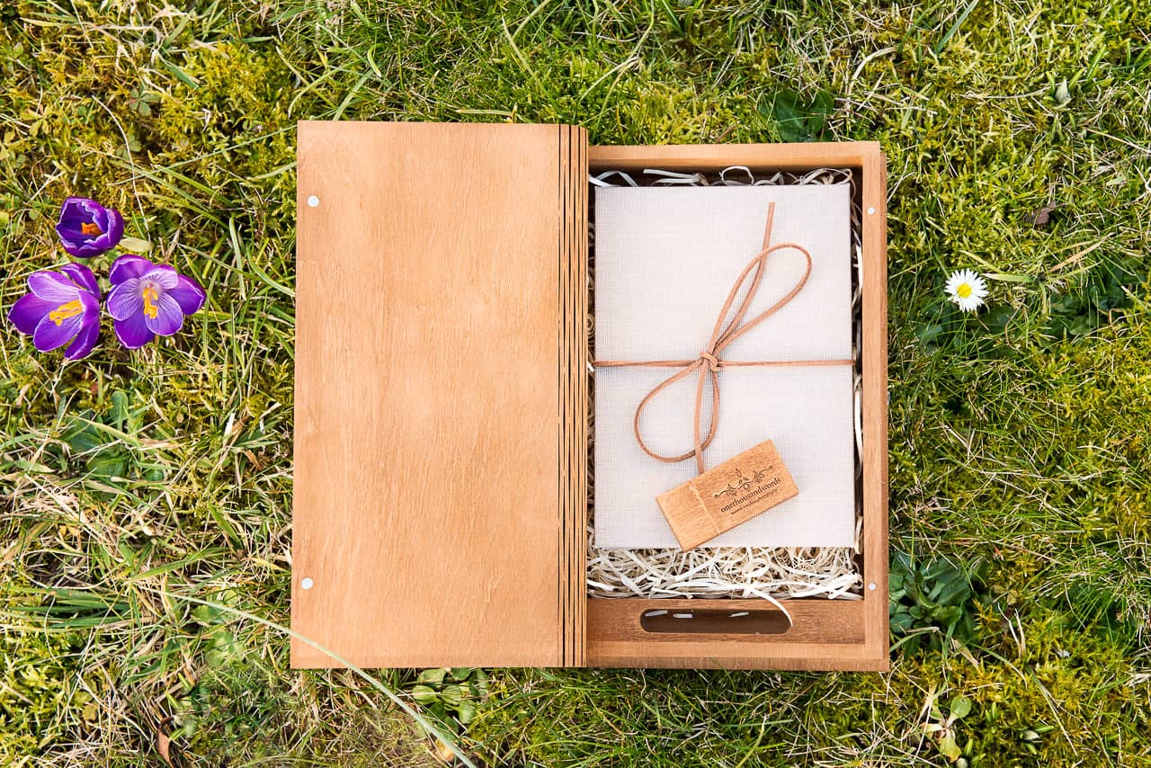 Wedding photography wooden presentation book box with USB and linen album