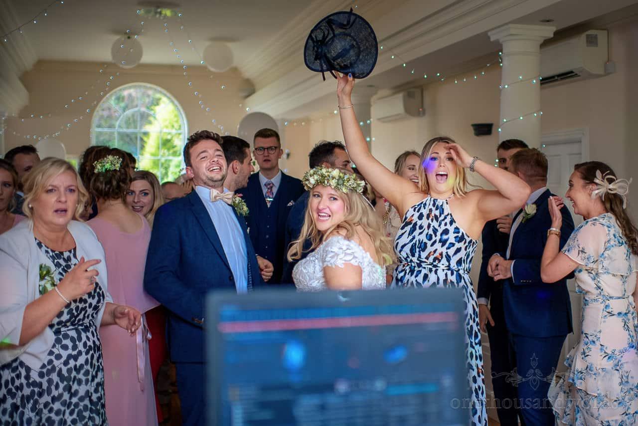 Wedding dancefloor reacts to DJ'd music selection on the dancefloor
